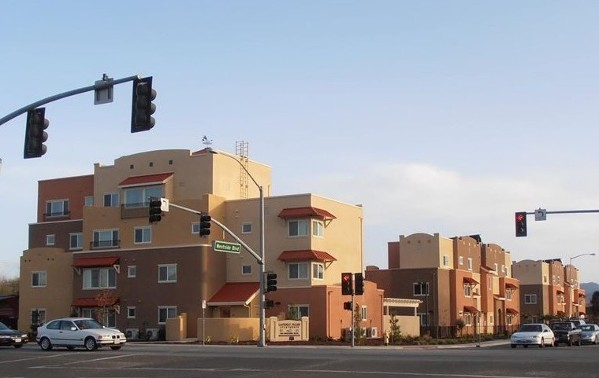 Photo of Gateway Palms complex at intersection view